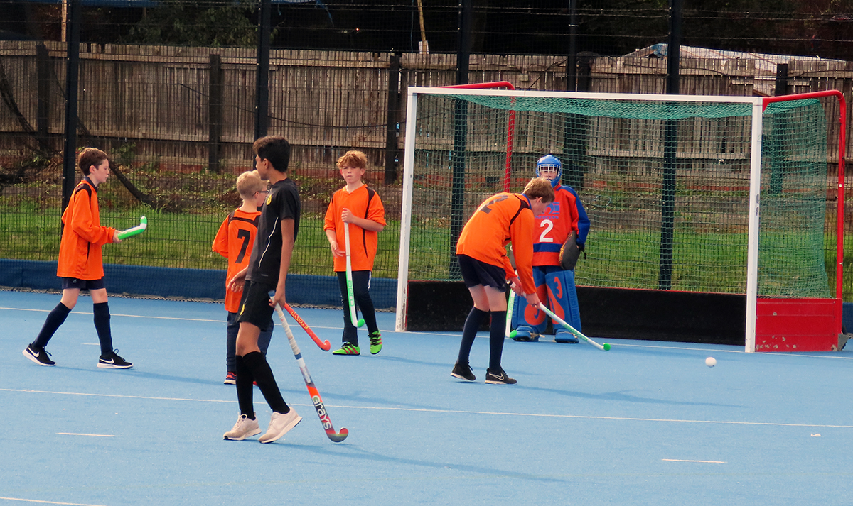 Y9 Hockey team playing in September 2019