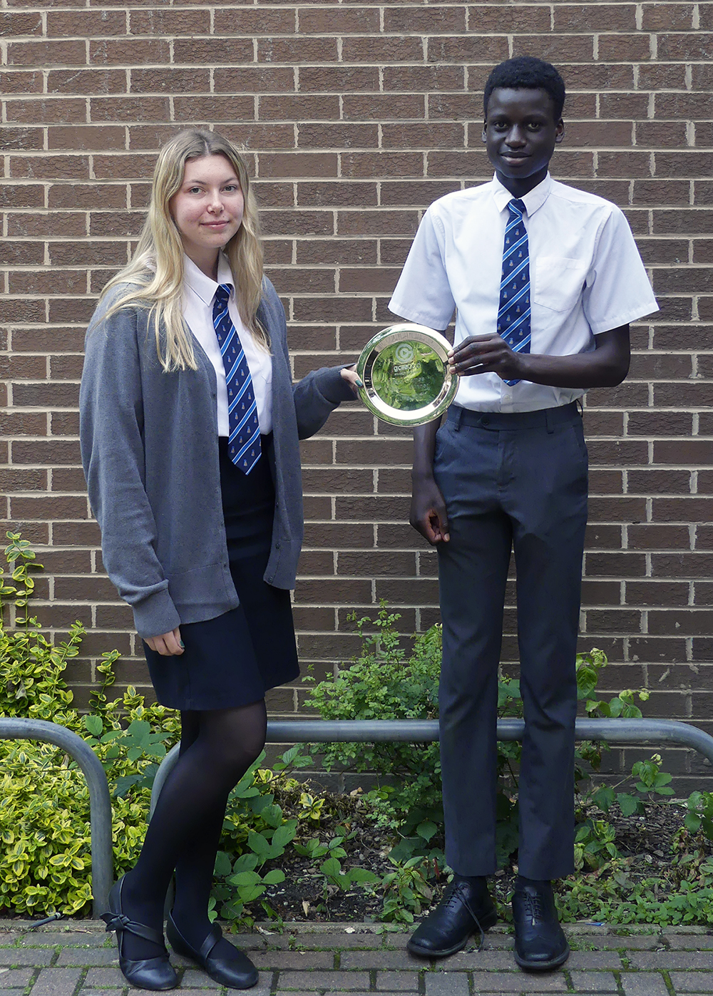 Top GCSEPod users in Year 10 hold our winning trophy - July 2021